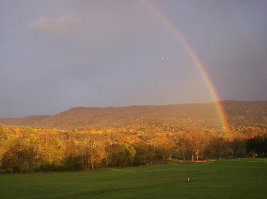 Rosendale Inn Bed and Breakfast: Rainbow always shines over Rosendale