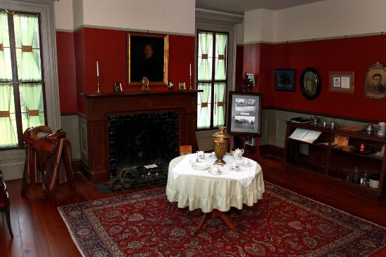 Rosendale Inn Bed and Breakfast: The Museum Room