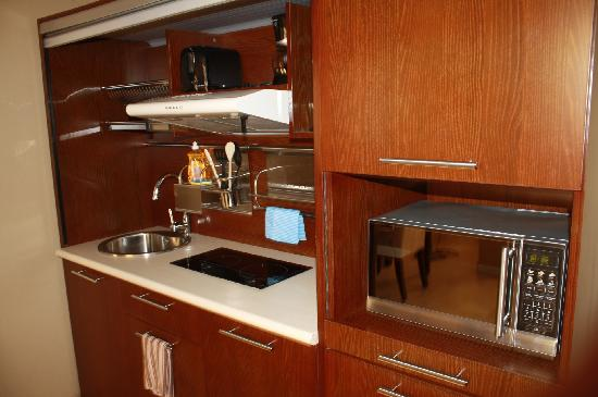 Panama Studio Apartments: kitchenette standard in every apartment