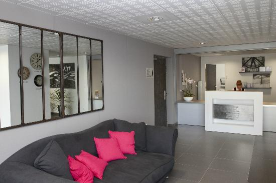 Teneo Apparthotel Bordeaux Merignac Aeroport: Réception