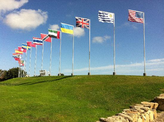 Pevero Golf Club : Flags on the driving range.