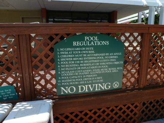 Ramada Naples: Reglas de la piscina
