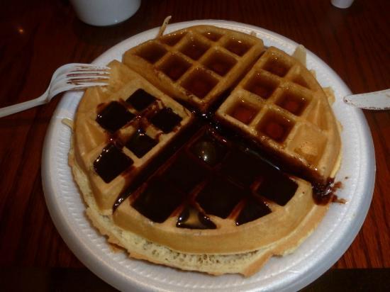 Ramada Naples: Waffle de desayuno