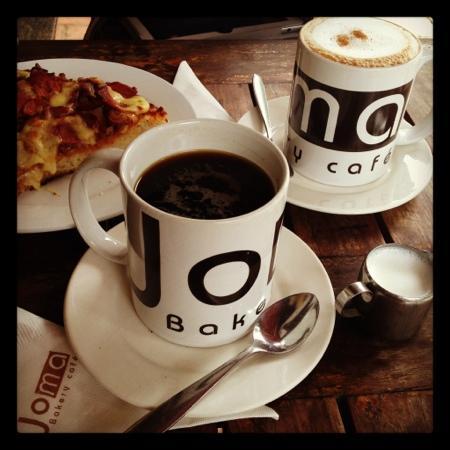 Joma Bakery Cafe: cappucino americano