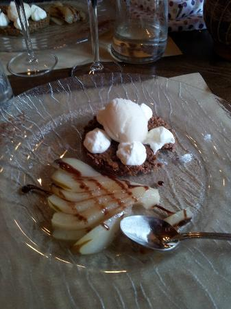 Hotel Restaurant du Plomb du Cantal: Croustillant chocolat-poire