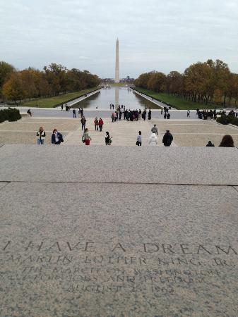 Context Washington Tours: The National Mall as seen from the Lincoln Memorial