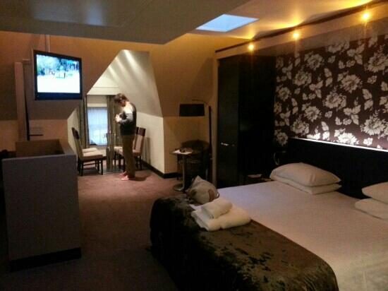 The BlueBell Hotel: only half the room