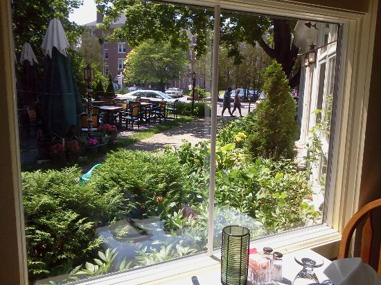 The Village Inn Bed and Breakfast : View of Church St. from porch dining area