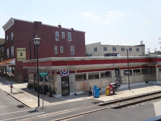 Lincoln Diner as seen from the top of an open air tour bus.
