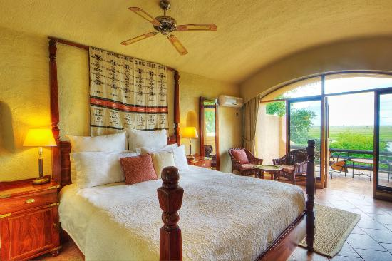Chobe Game Lodge: Rooms all with river facing views - double or single/twin can be requested