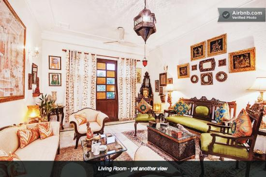 On The House : Living Room