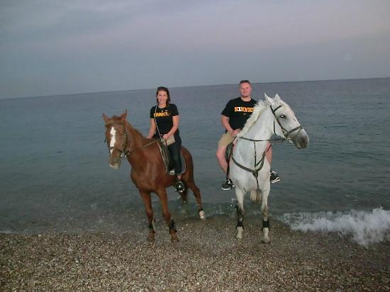 Фалираки, Греция: Horse back riding to the beach