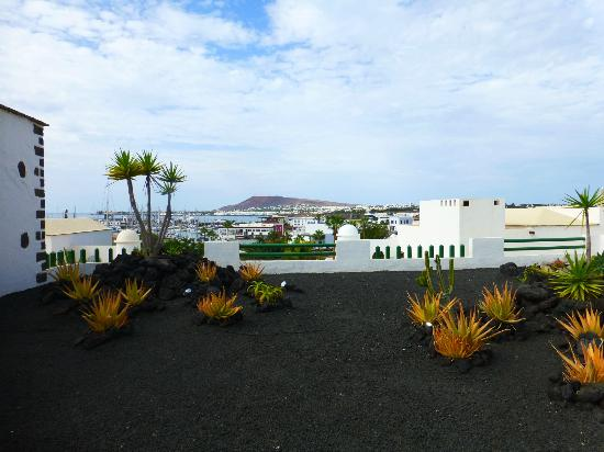 Hotel THe Volcan Lanzarote: grounds