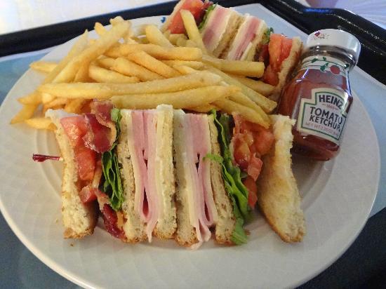 Hilton Garden Inn Tampa East/Brandon: Roomservice, Club Sandwich