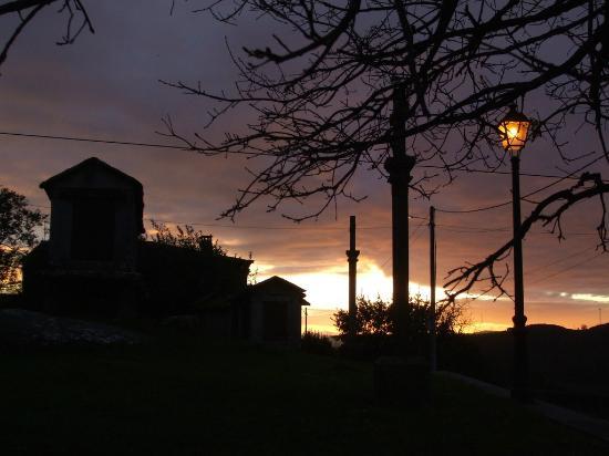 Casa Florinda: Anochece en Pedre