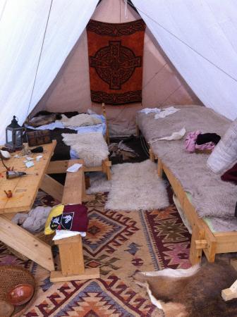 Burg Satzvey: Das Zelt eines Ausstellers