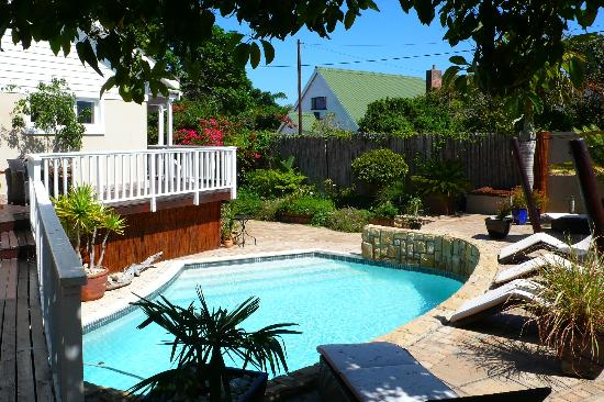 African Breeze Guesthouse Leisure Isle Knysna: African Breeze pool area