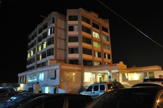 Hotel Golf Internacional: vista nocturna