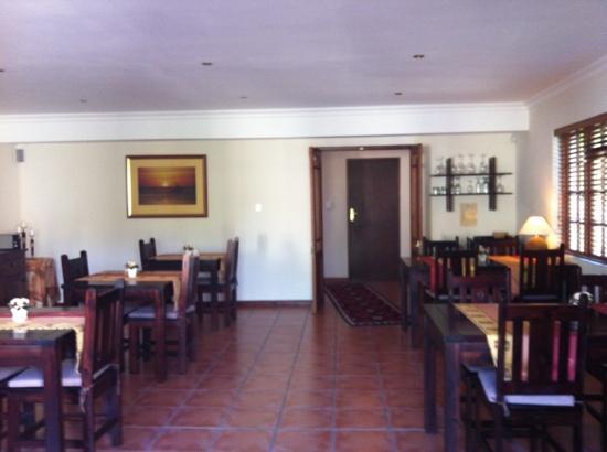 AmaKhosi Guesthouse: breakfast room