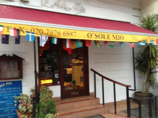 O Sole Mio: Entrance, Belgrave Road