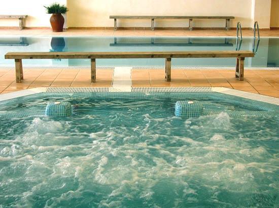 Hotel Na Forana: Pool Interior