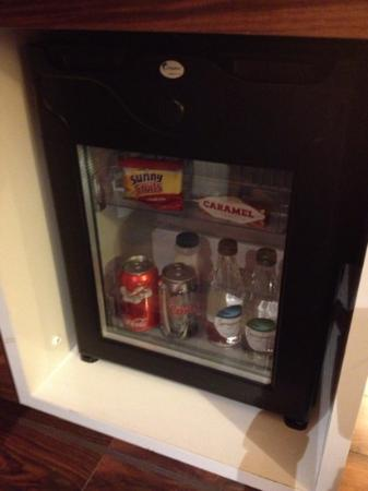 Hotel Indigo Edinburgh: Complimentary mini bar
