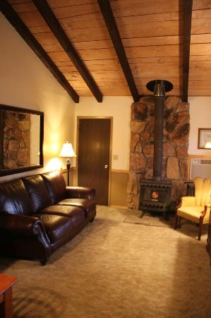 Marble Mountain Ranch - Family Guest Ranch : Cottage