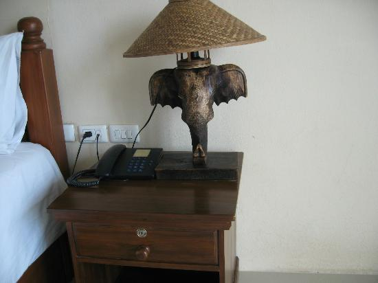 Aonang Goodwill: Night lamp