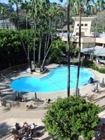 Crowne Plaza Hotel San Diego - Mission Valley: La piscine vue depuis notre chambre