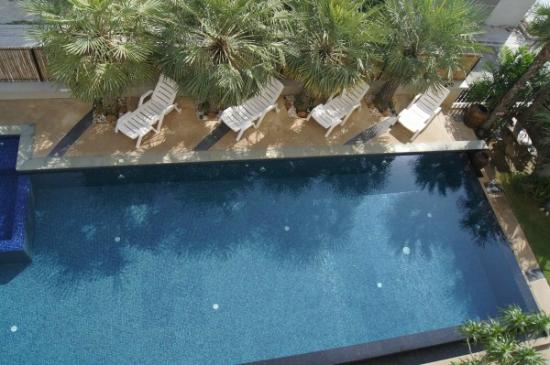 Smile Hua - Hin Resort : view of pool from balcony