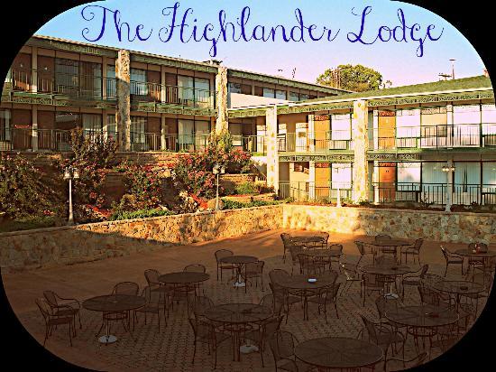 The Highlander Restaurant, Lodge & Pub: WELCOME