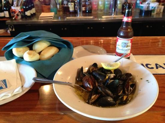 Farlow's On The Water: Best mussels in Englewood