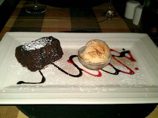 Big Reds Steakhouse: Chocolate Brownie with Homemade Bailys Icecream