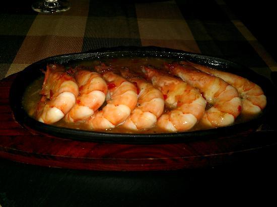 Big Reds Steakhouse: King Prawns in Chilli and Garlic