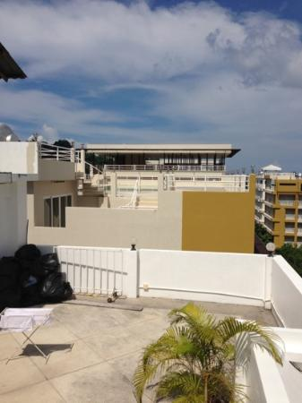 AsiaLoop G-House: Rooftop view 2