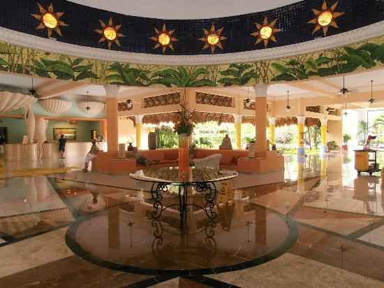 IBEROSTAR Paraiso Del Mar: Partie du hall d'entrée