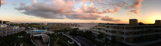 Royal Islander Club La Terrasse Resort: St. Maarten Sunset with Saba in the distance