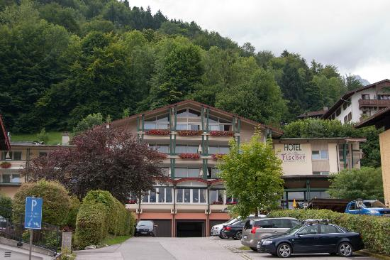 Alpenhotel Fischer: View of hotel