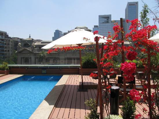 Mercure Santiago Centro: Pool area
