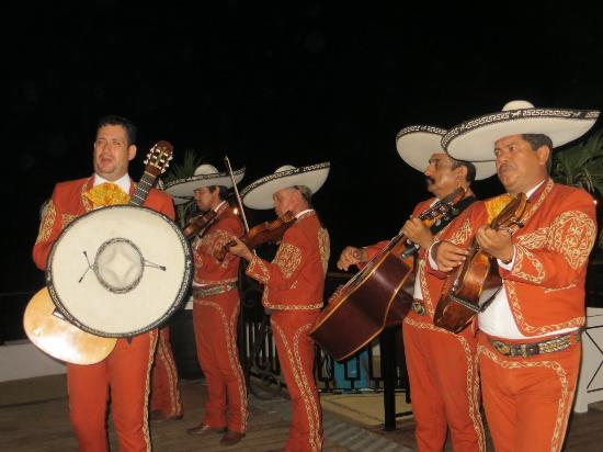 Club Med Ixtapa Pacific: Mariachi Band on Mexican Night