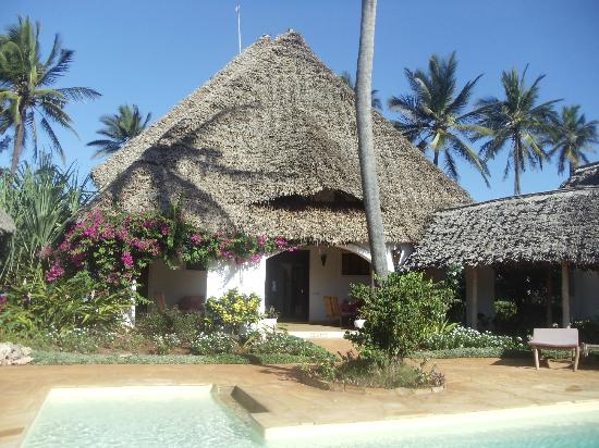 Villa Kiva Resort and Restaurant: front view