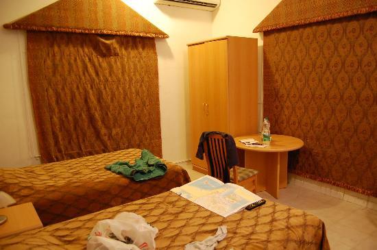 Esra Hotel Apartments: comfy room