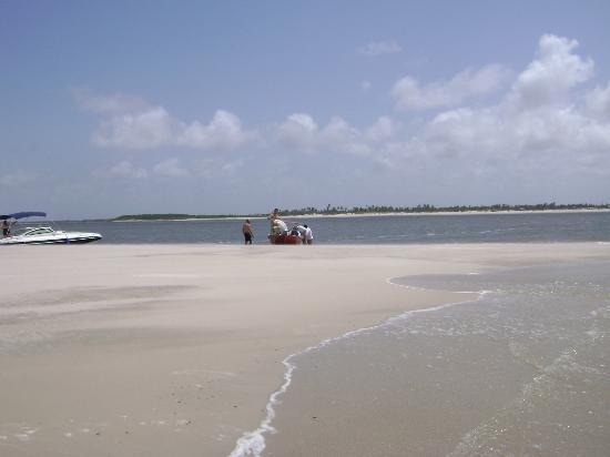 Barreirinhas, MA: Encontro do mar com o rio