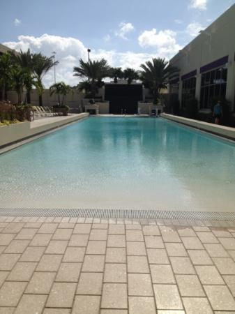 Seminole Hard Rock Hotel Tampa: zero-entry pool