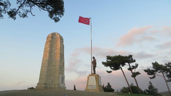 Mustafa Kemal Ataturk memorial. - Picture of Gallipoli ...