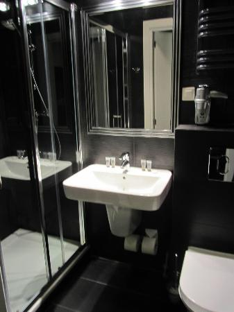 SleepWell Apartments Nowy Swiat: Bagno