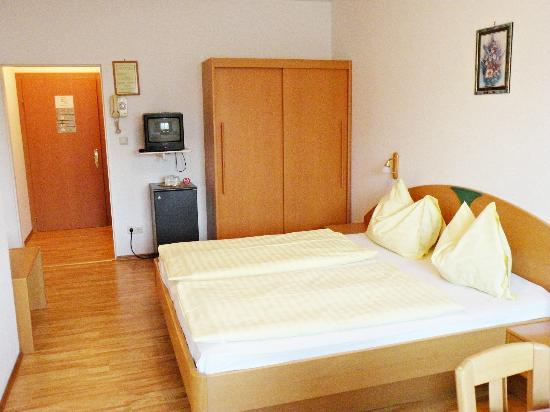 Hotel-Pension Roemerhof: Zimmer