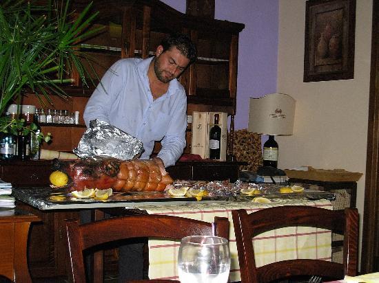 La taverna dei briganti: Si serve la porchetta!!