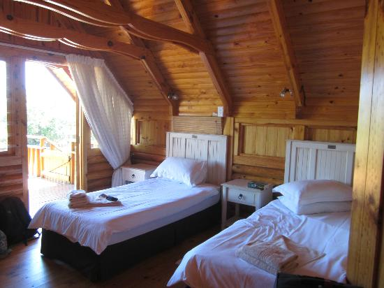Abalone Lodges: Twin room