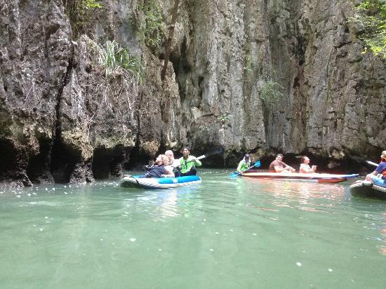 Simba Sea Trips: Cave canoeing